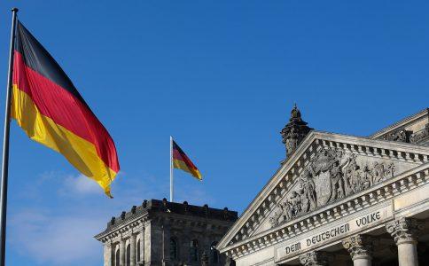 Economia alemã: Confiança empresarial sobe para nível histórico